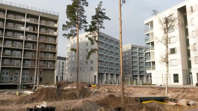 Suurpelto - uusia rakennuksia nousee - maaliskuu 2020